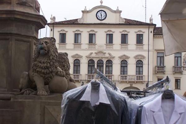 10 mercati tipici da non perdere a padova 10 mercato for Mercato antiquariato padova