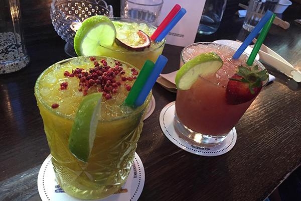 I 10 cocktail bar migliori di milano 10 temakinho for Bar 35 food drinks milano