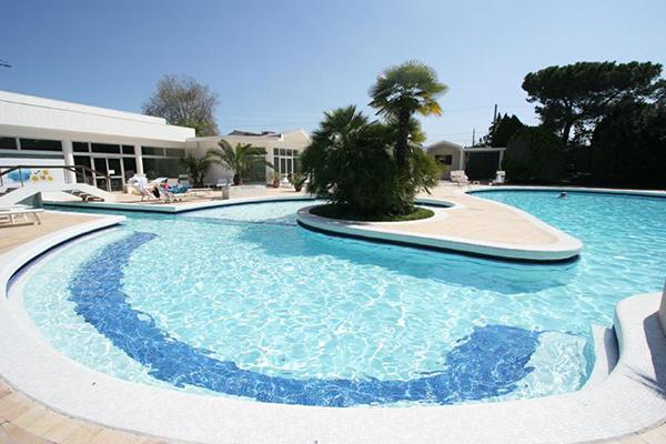 Le 10 migliori piscine termali di padova 6 hotel mioni royal san - Piscine termali montegrotto ...